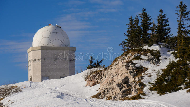Observatoire de télescope en Bosnie, montagne Jahorina photos libres de droits