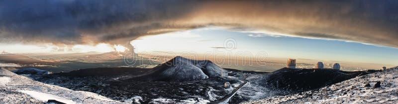 Observatorio en la cumbre de Mauna Kea fotos de archivo libres de regalías