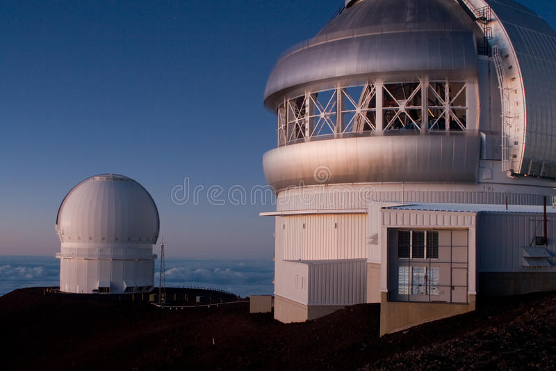 Observatorios de Mauna Kea imagenes de archivo