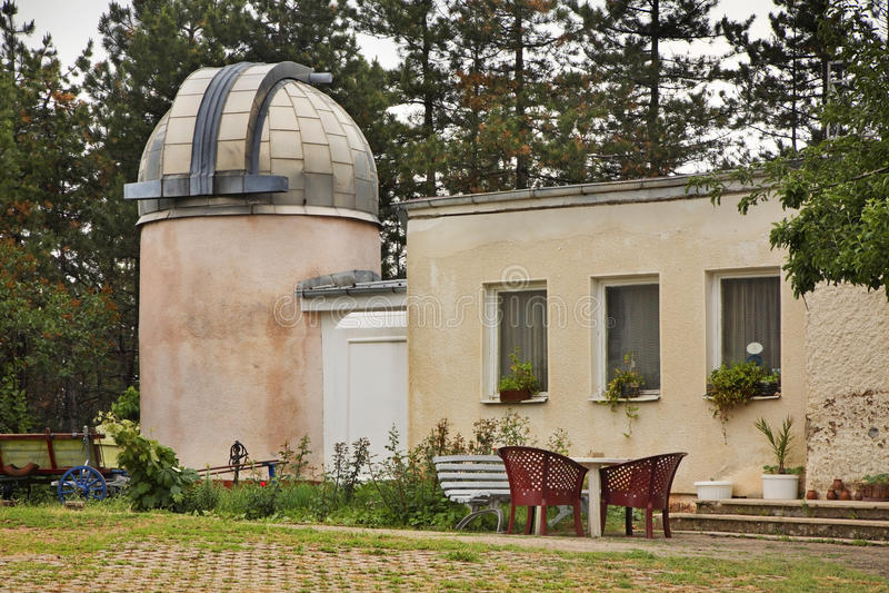 Observatorium på kullen nära Belogradchik lökformig arkivfoto