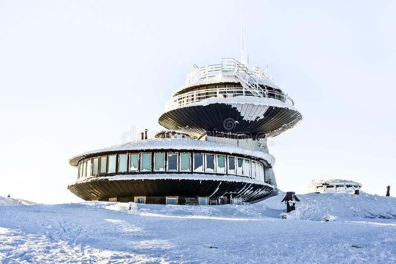 Obserwatorski meteorologiczny na Sniezka górze w Polskim mountai zdjęcie stock