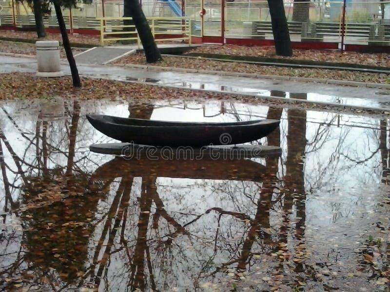 Obskurny spławowy drewniany powódź krok zdjęcia royalty free