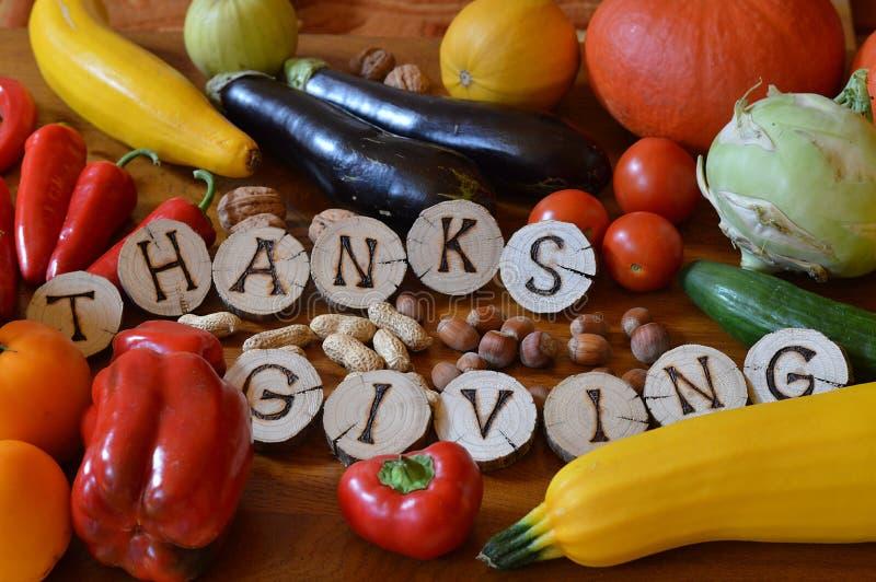 Obst und Gemüse verziert für Danksagung lizenzfreies stockfoto