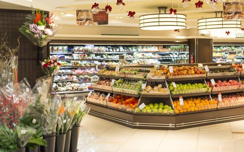 Obst- und GemüseAbteilung stockfoto