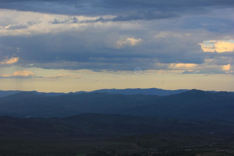 Obszaru trawiastego horyzont EndlessEndless zdjęcie royalty free