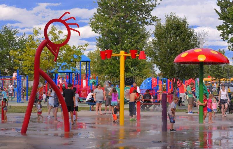 Obtém mesmo quente em Canadá em agosto! fotos de stock royalty free