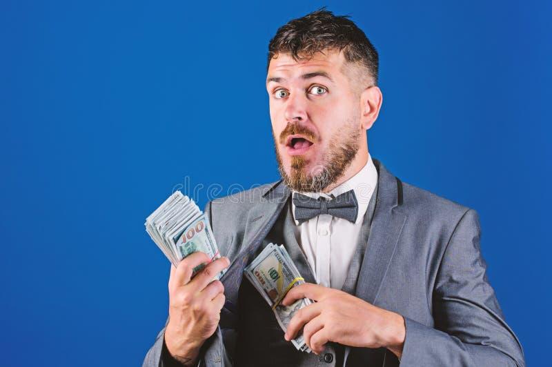 Obtenha o dinheiro fácil e rapidamente Negócio da transação de dinheiro Empréstimos de dinheiro fáceis Pilha formal da posse do t imagem de stock