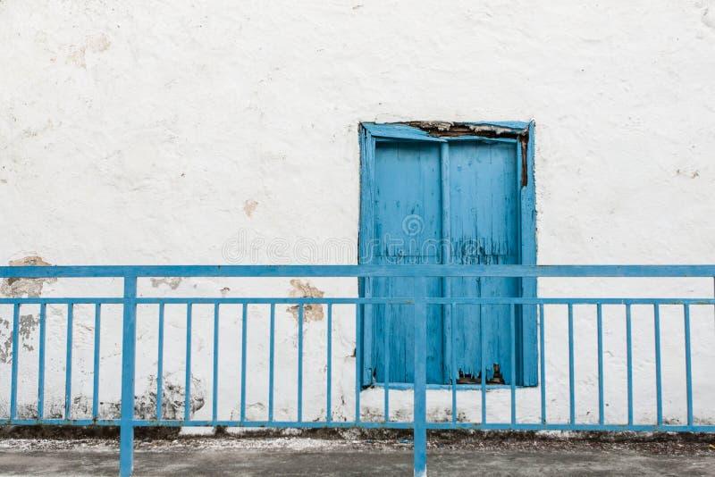 Obturador azul imagenes de archivo