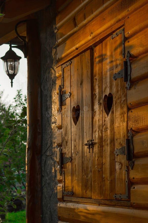 Obturadores de madeira velhos fotografia de stock