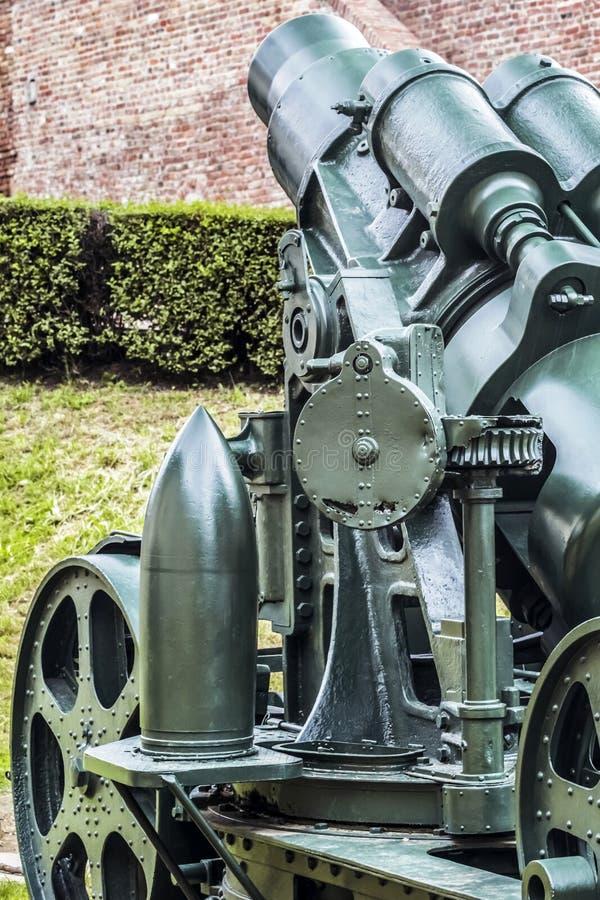 Obusier austro-hongrois de siège de 1911 WWI 305 millimètres photos libres de droits