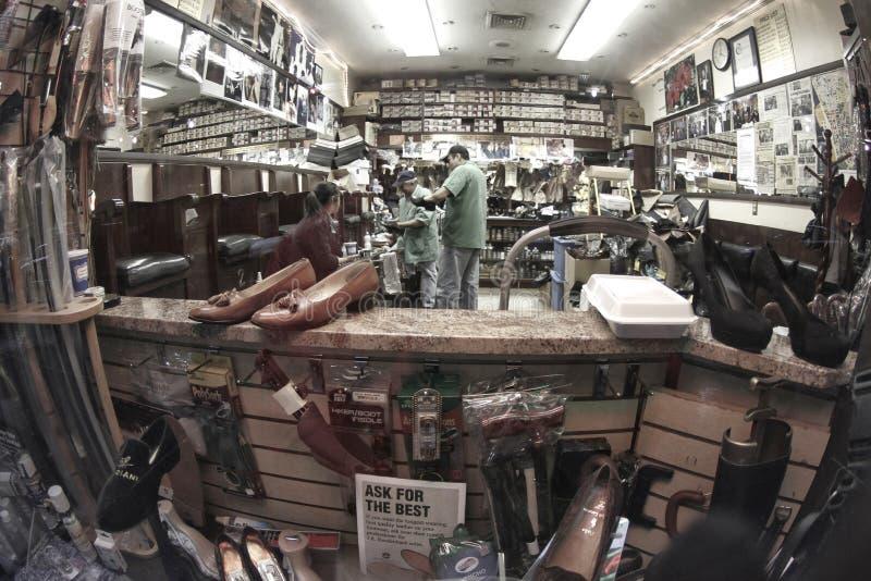 Obuwianej naprawy ekspresowy sklep