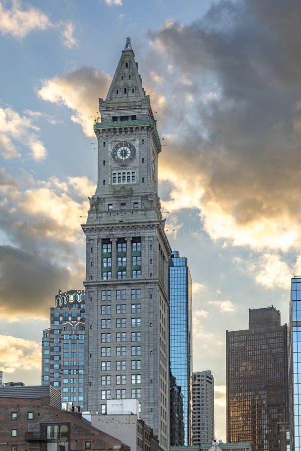 Obyczajowego domu zegarowy wierza w Boston Massachusetts w zmierzchu fotografia royalty free