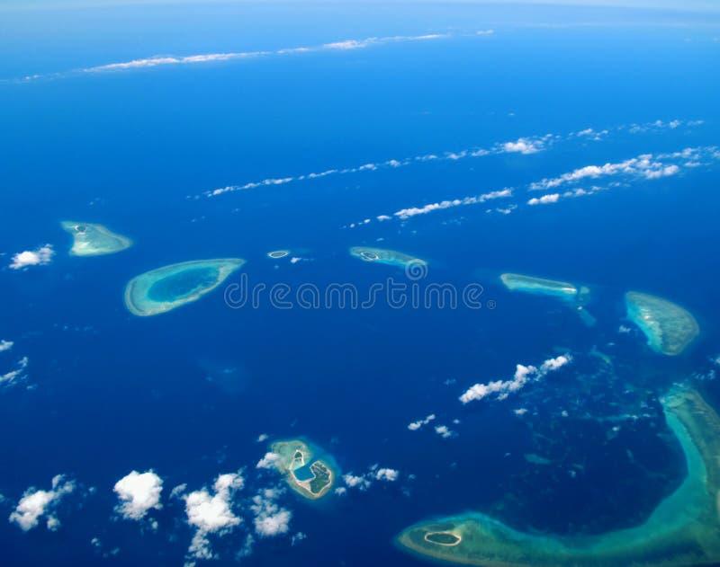 Download Océan corallien d'île photo stock. Image du storm, coton - 8671274
