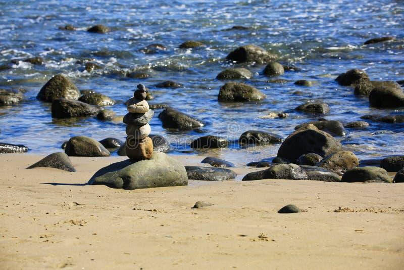 Océan de pile de roche photographie stock libre de droits