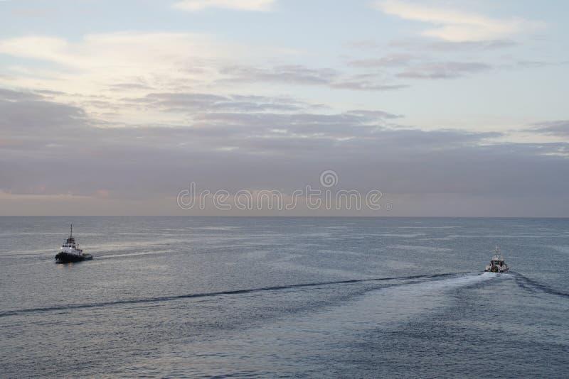 Océan magique Lever de soleil au-dessus de l'Océan atlantique Matin Vagues du ressac photo libre de droits