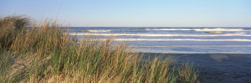 Océano Atlántico en la puesta del sol, cabo Hatteras, Carolina del Norte imágenes de archivo libres de regalías
