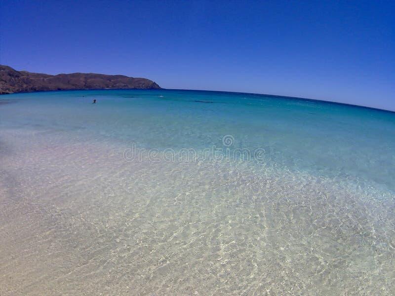 océano del azul del agua del cielo de los días de fiesta de Creta de la playa imagenes de archivo