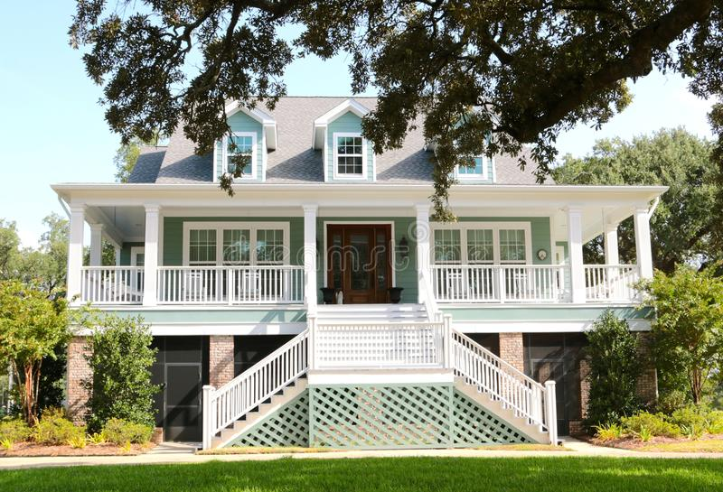 Océano hermoso Front House en Biloxi, Missis imagenes de archivo