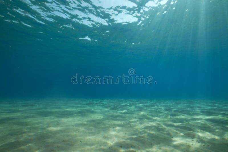 Océano y sol. imagen de archivo