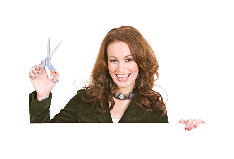 Ocasional: Mulher pronta para cortar vales imagem de stock
