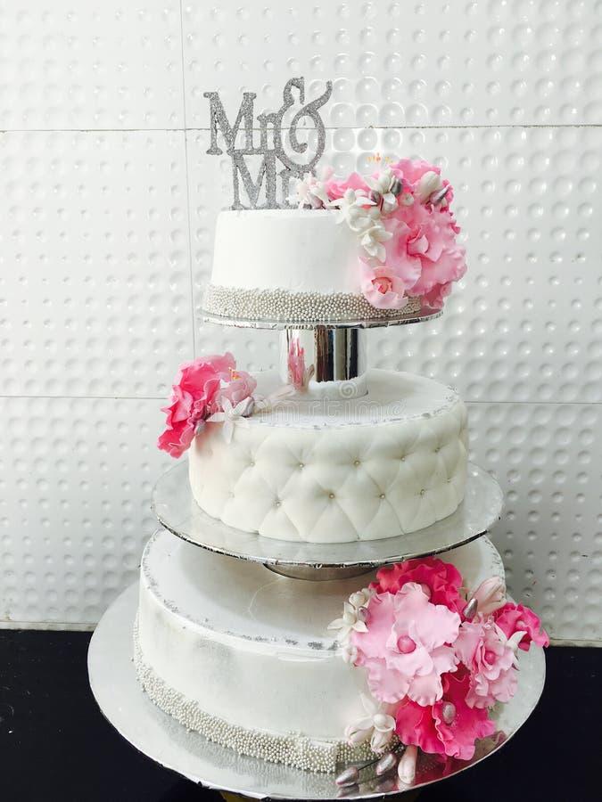 Ocasiones del pastel de bodas imagen de archivo libre de regalías