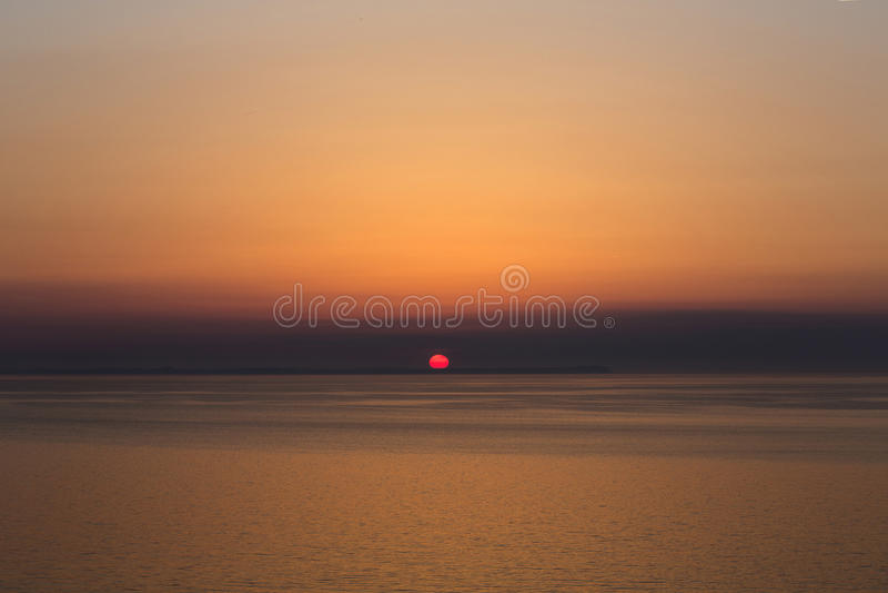Download Ocaso II foto de archivo. Imagen de agua, océano, nubes - 42430862