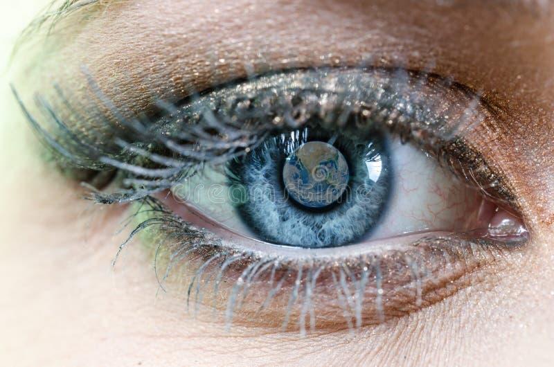 Occhio azzurro della terra fotografie stock libere da diritti
