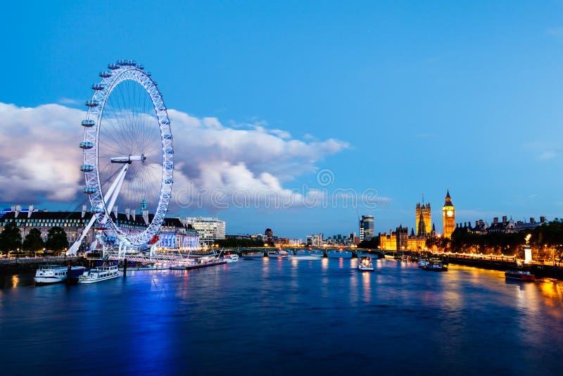 Occhio di Londra, ponticello di Westminster e grande Ben fotografie stock