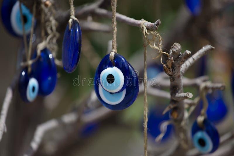 Occhio greco Lavoro di vetro tradizionale, simbolo turco di nazar Boncuu di Nazar Malvagità dell'occhio azzurro fotografia stock