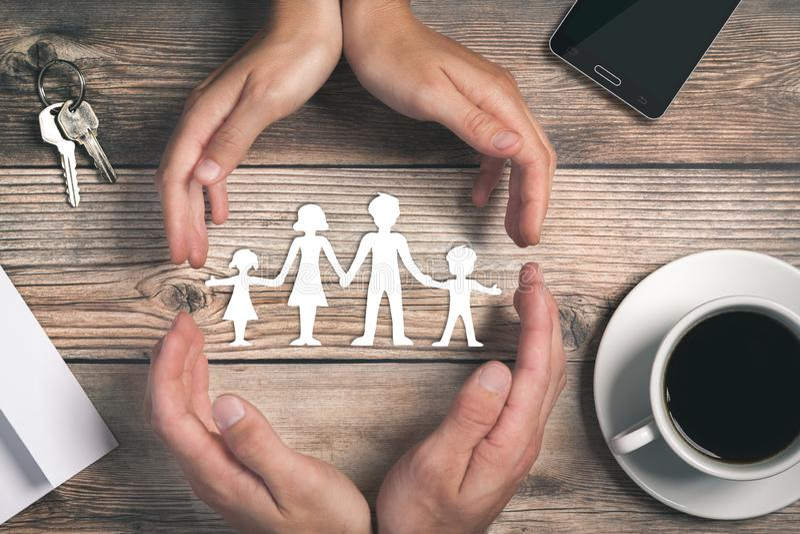 Occupandosi della vostra famiglia immagini stock