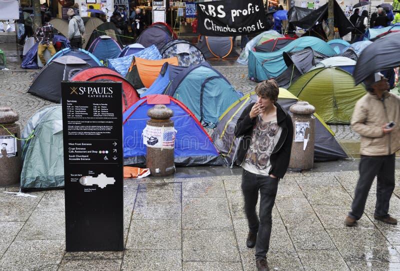 Occupez le campement de Londres à la cathédrale de rue Paul photo stock