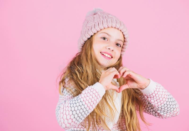 Occupez-vous du cuir chevelu et des cheveux cet hiver Empêchez les dommages de cheveux d'hiver Astuces de soins capillaires d'hiv photos libres de droits