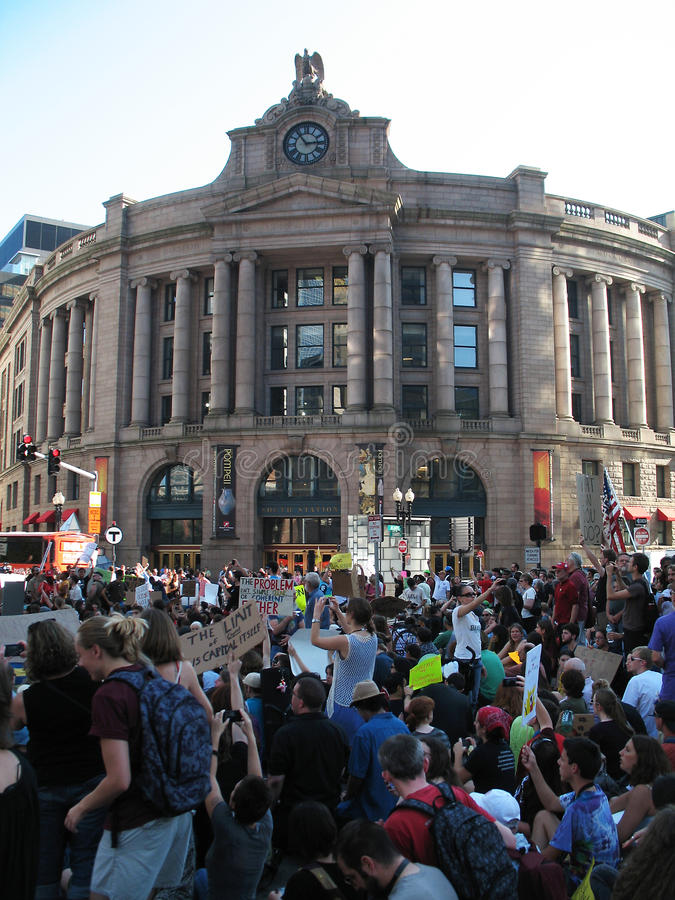 Download Occupy Boston South Station Invasion Editorial Photo - Image: 21545011