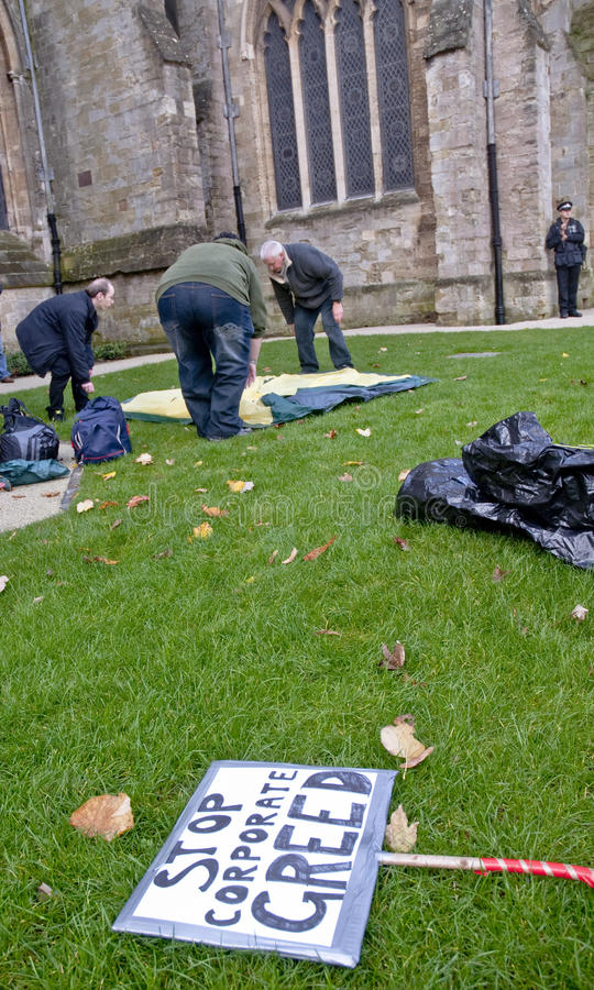 Download Occupy Exeter Participants Erect Their Tents Editorial Photo - Image: 22044041