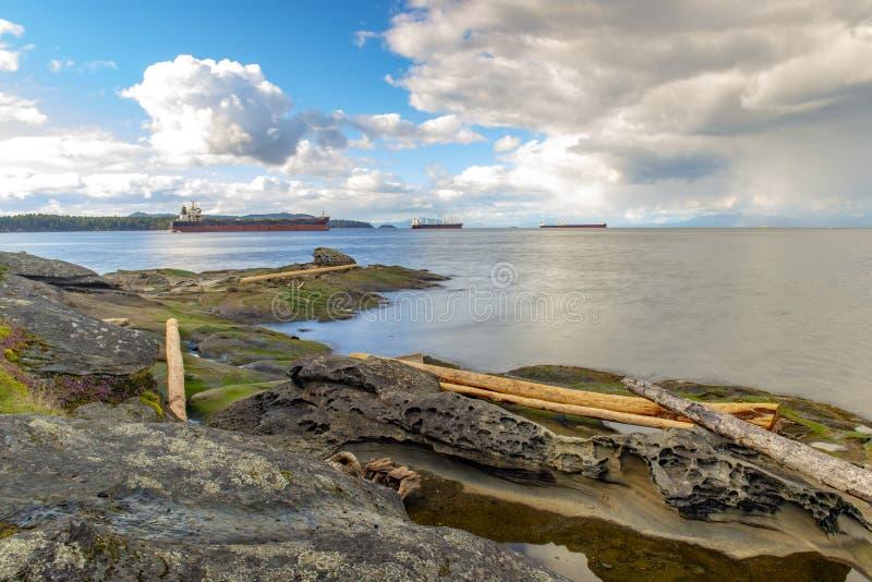 Oceaan die bij de Straat van Georgië van Jack Point-park in Nanaimo overzien, BC stock fotografie