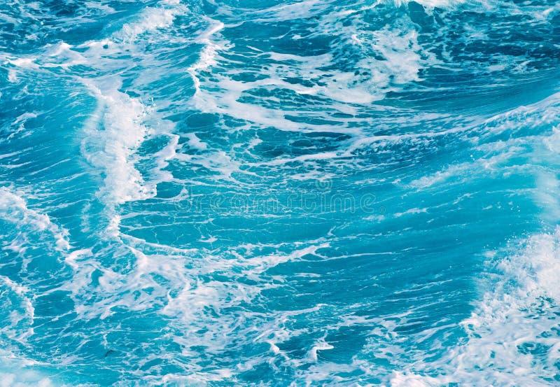 Oceaan golven blauwe achtergrond royalty-vrije stock afbeelding