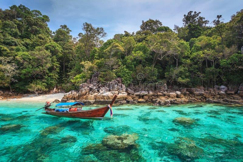 Oceaan van Koh Lipe, Thailand stock foto's