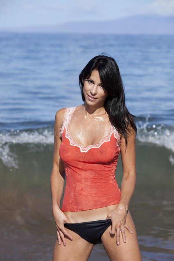 Oceaan vrouw die een mouwloos onderhemd draagt. royalty-vrije stock foto