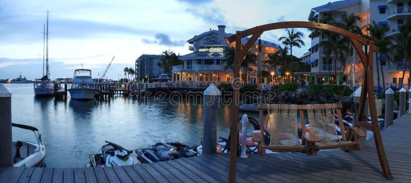 Oceaanmening van bank op het dok in Hyatt Centric Key West stock foto