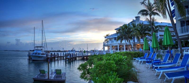 Oceaanmening van bank op het dok in Hyatt Centric Key West royalty-vrije stock afbeelding