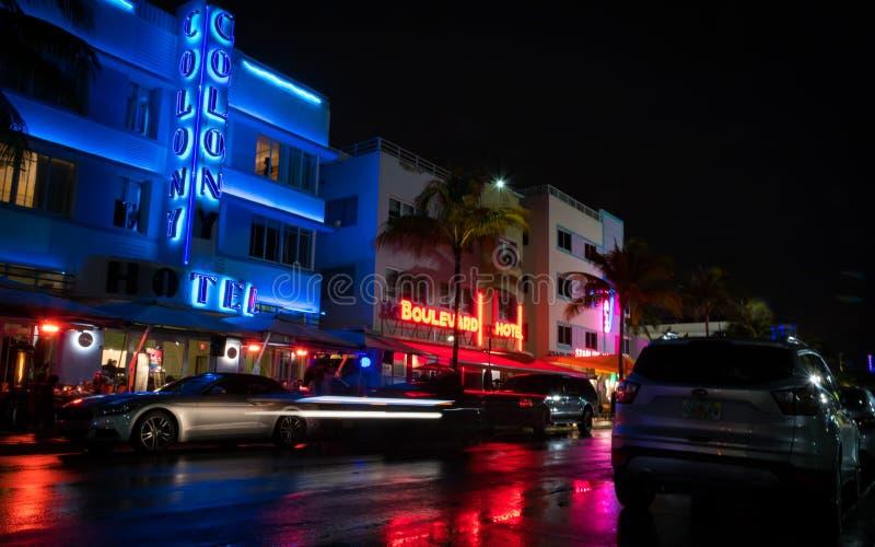 Ocean aleja przy nocą w Miami Floryda usa obrazy royalty free