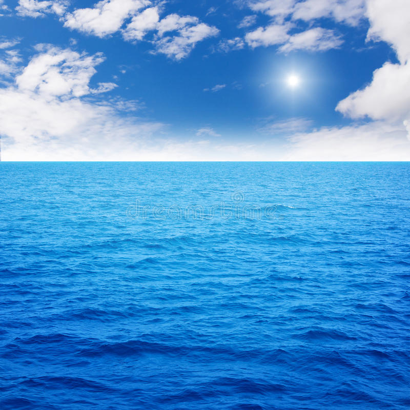 Free Ocean Blue Royalty Free Stock Image - 19045286