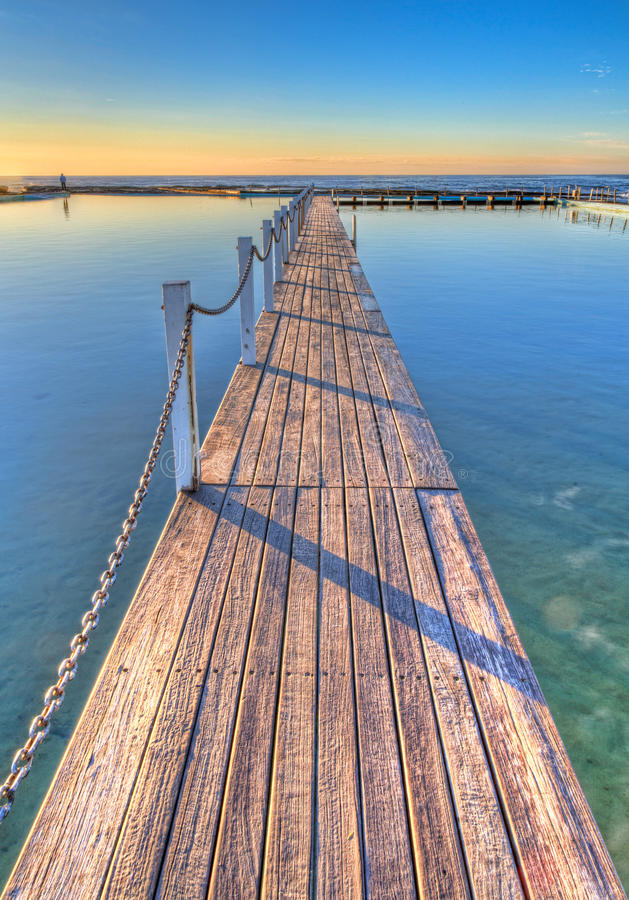 Free Ocean Pool Walkway Stock Images - 33051054