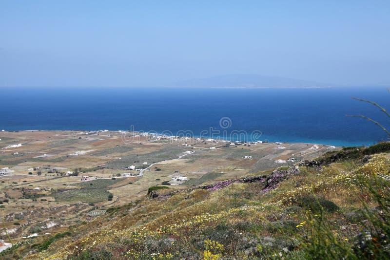 Oceanfront på den Santorini ön arkivfoto