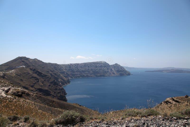 Oceanfront på den Santorini ön royaltyfria bilder