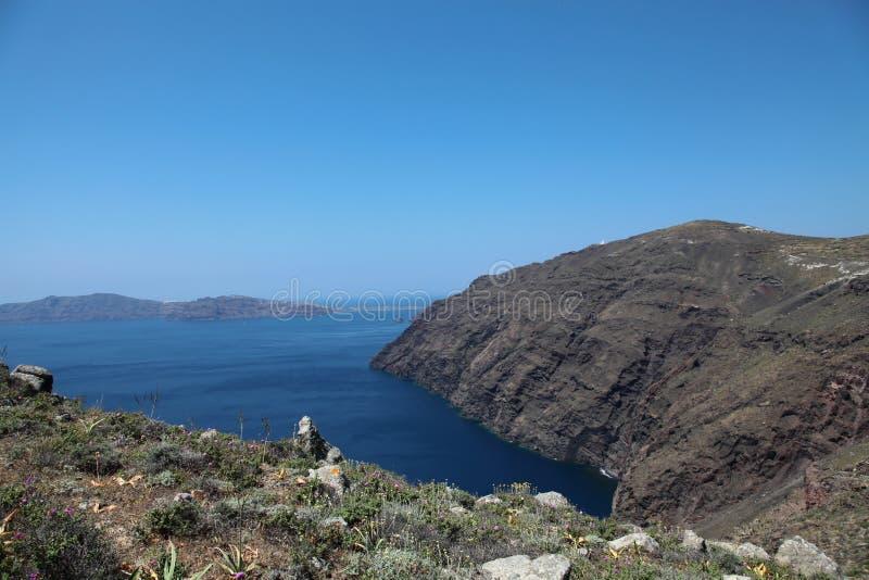Oceanfront på den Santorini ön arkivbilder
