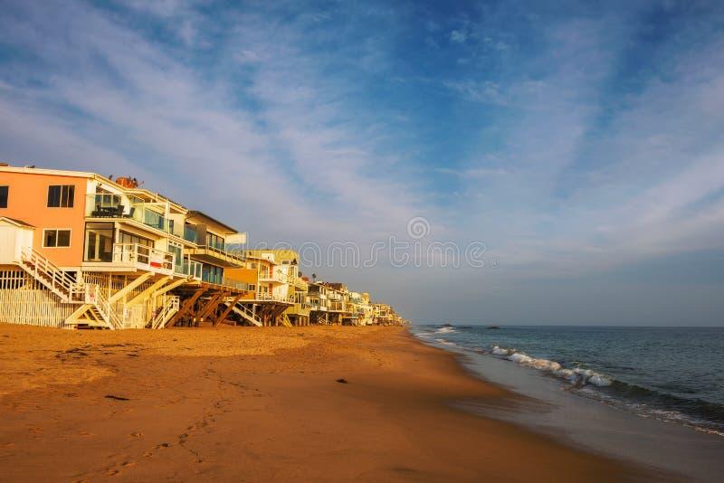 Oceanfronthuizen van Malibu-strand in Californië royalty-vrije stock fotografie