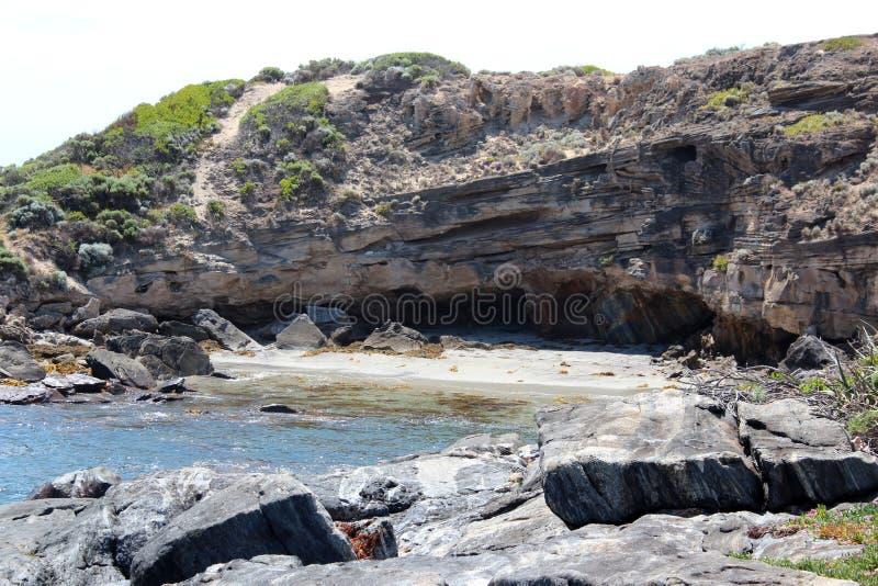 Oceano Índico na rocha Austrália ocidental de Skippy imagem de stock royalty free