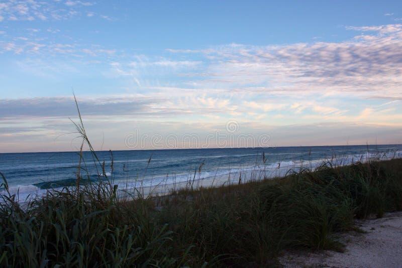 Oceano Atlântico em Florida perto do por do sol fotos de stock