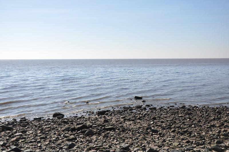 Oceano, cielo e rocce immagini stock libere da diritti